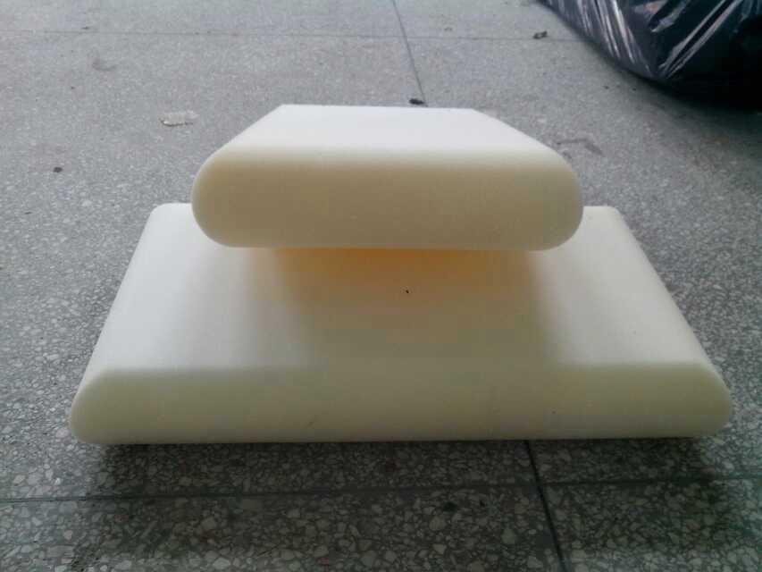 海绵抱枕形状切割 恒坤数控泡沫切割机